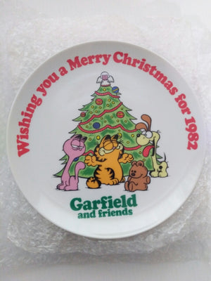 Garfield 1982 Christmas Plate Sample-We Got Character