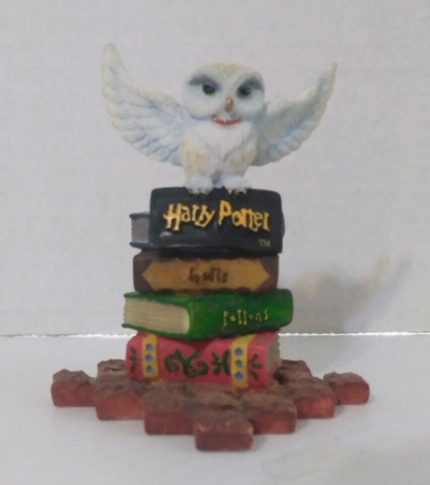 Harry Potter Hedwig Figurine-We Got Character