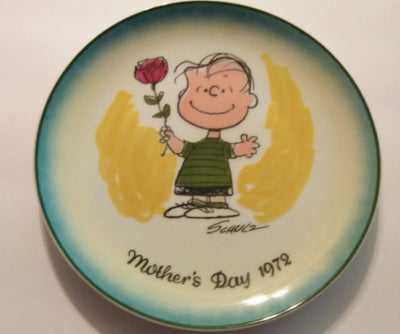 Peanuts Decorative Plate  - We Got Character