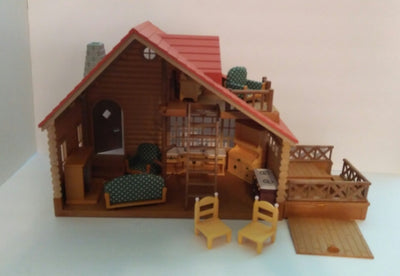 Epoch Calico Critters Log Cabin House-We Got Character