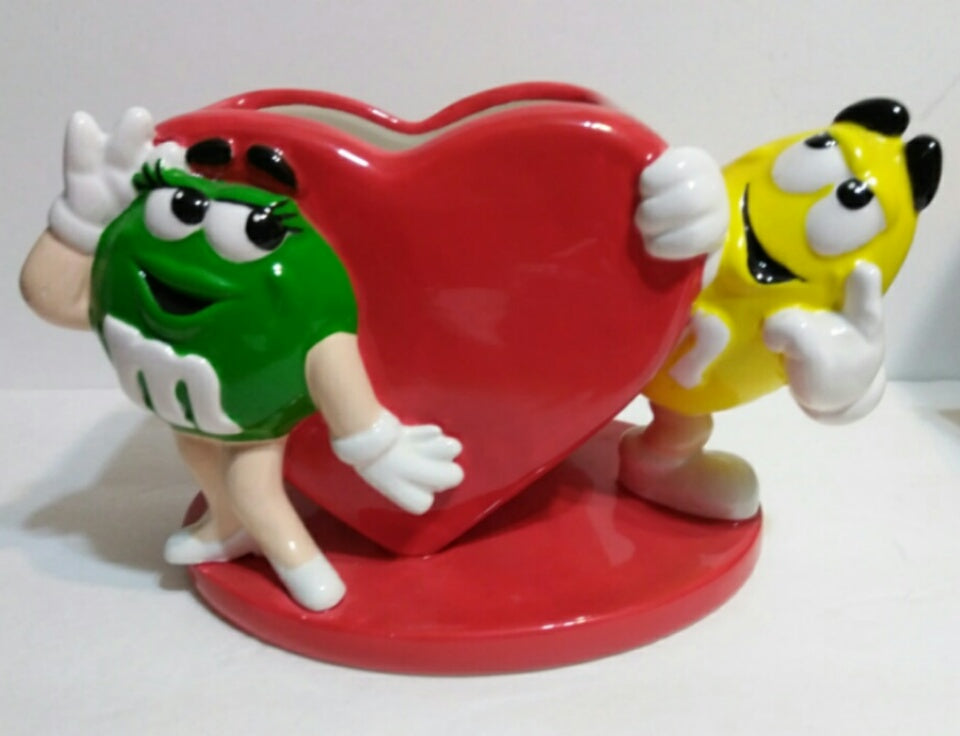 M&M Valentine Vase - We Got Character