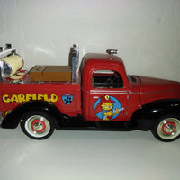 Garfield Golden Wheel 1/16 1940 Ford Replica Collector Fire Truck - We Got Character