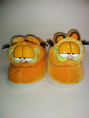Garfield Slippers L 9-10-We Got Character