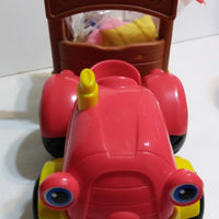 Fisher Price Little People Tow & Pull Tractor N Trailer Sings & Talks-We Got Character