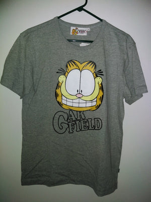Garfield T-Shirt - We Got Character