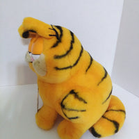 Garfield 10 yr Plush Year Of The Party-We Got Character
