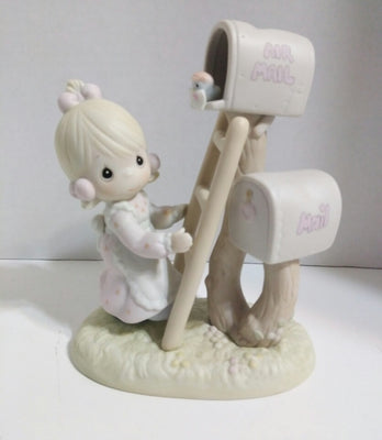 Precious Moments Figurine Good News Is So Uplifting - We Got Character