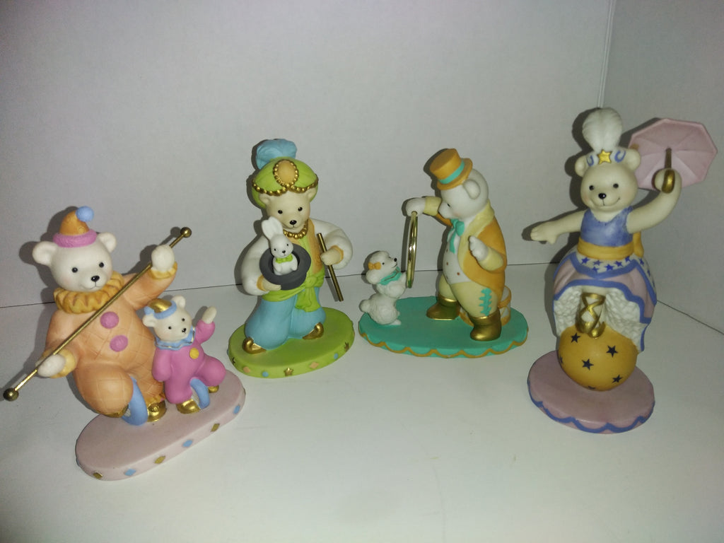 Avon 1993 Collectible Lot of 4 Circus Bears Figurines-We Got Character