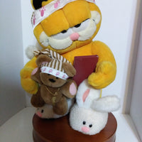 Bedtime for Garfield Danbury Mint - We Got Character