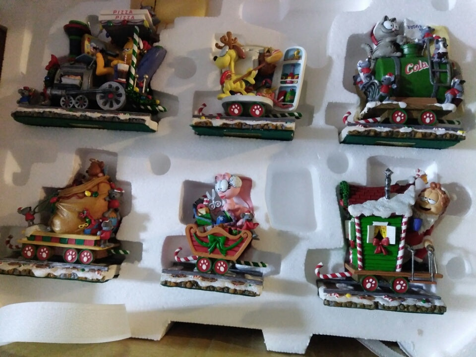 Christmas Train Cast.Danbury Mint Garfield Christmas Food Train Set