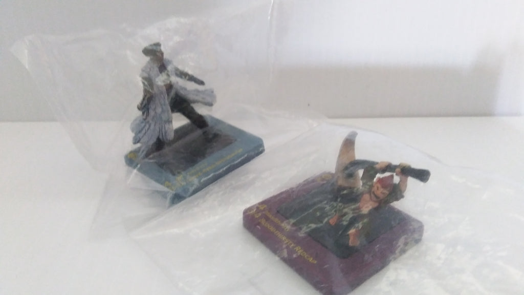 Lot of two Dreamblade Miniature Figures-We Got Character