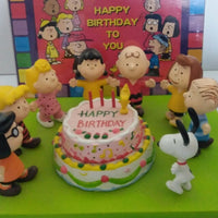 HTF Peanuts Snoopy Happy Birthday Figurine Scene -We Got Character