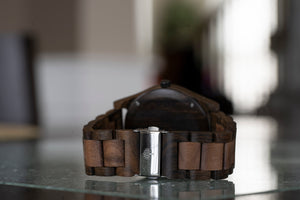 The Oakwood Wood Watch - Chanate/Walnut