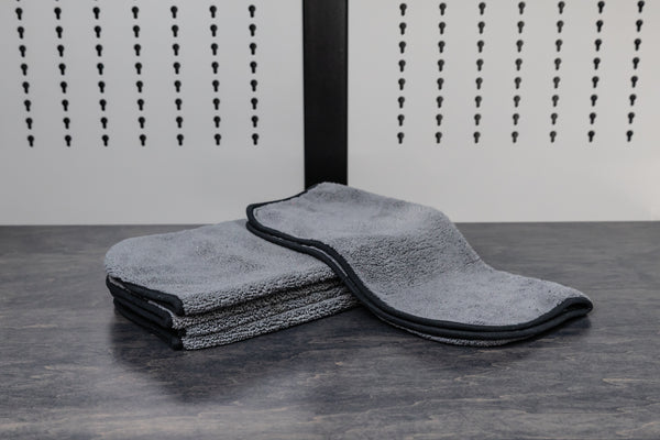 B9: Wheel & Tire Towel