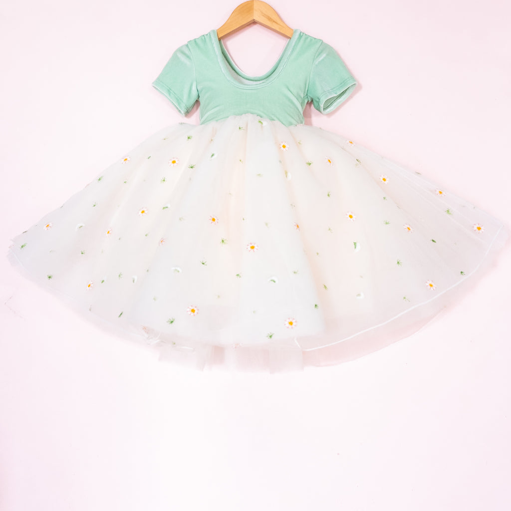 Embroidered Daisy Tulle