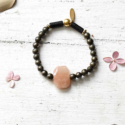 Diffuser Bracelet With Geometric Focal Bead