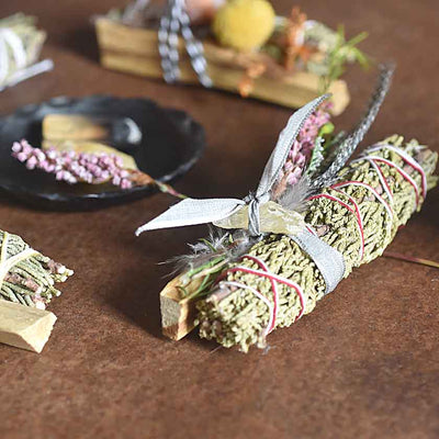 Palo Santo,Juniper And Quartz Smudge Stick Bundle