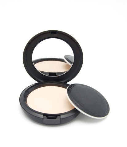 MAC Studio Careblend Pressed Powder - Light - eckoYak