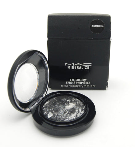 MAC Mineralize Eye Shadow - Cinderfella (Limited Edition) - eckoYak