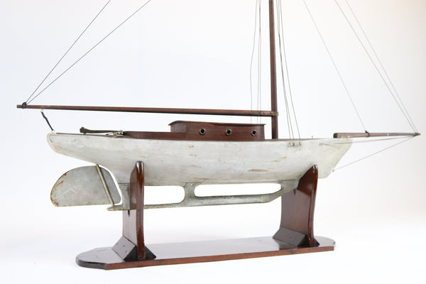Skeleton Keel Pond Yacht