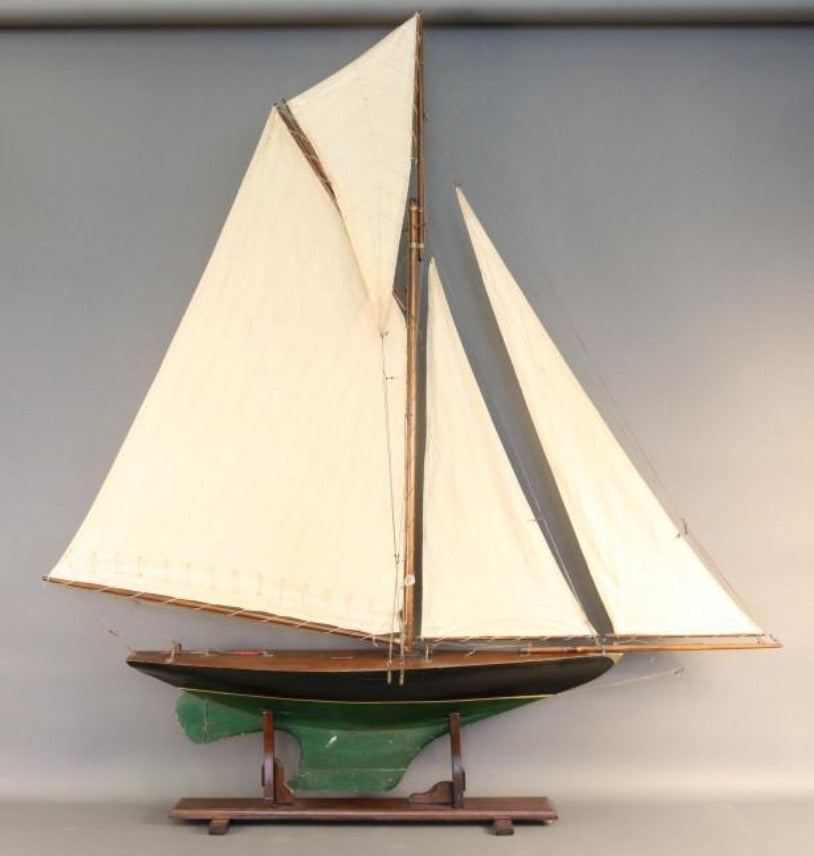 Pond Yacht Model with Gaff Rig