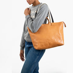 Natural Le Zip Sac On-Model