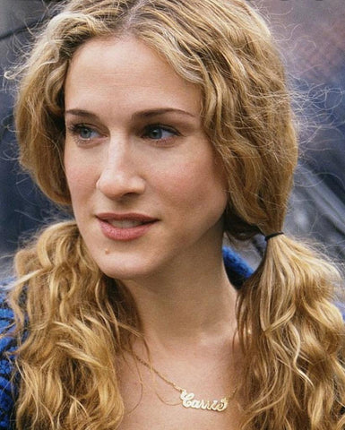 Carrie Bradshaw wearing a name necklace