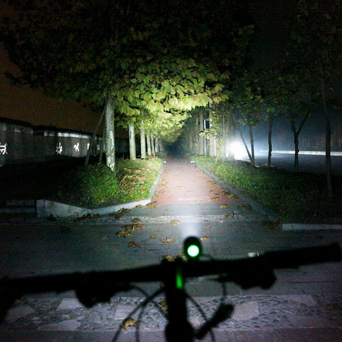 Biking - Light - Waterproof Super Bright 1,200 Lumens LED Bicycle Front Lamp (powered By USB)