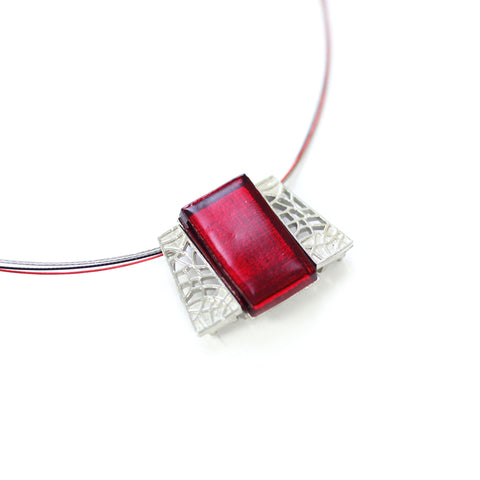 "COLLIER ""TRIANGO"" ROUGE"