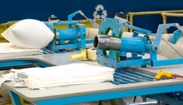 Our home decor and bedding manufacturing factory has the capacity to produce and supply thousands of products each day.