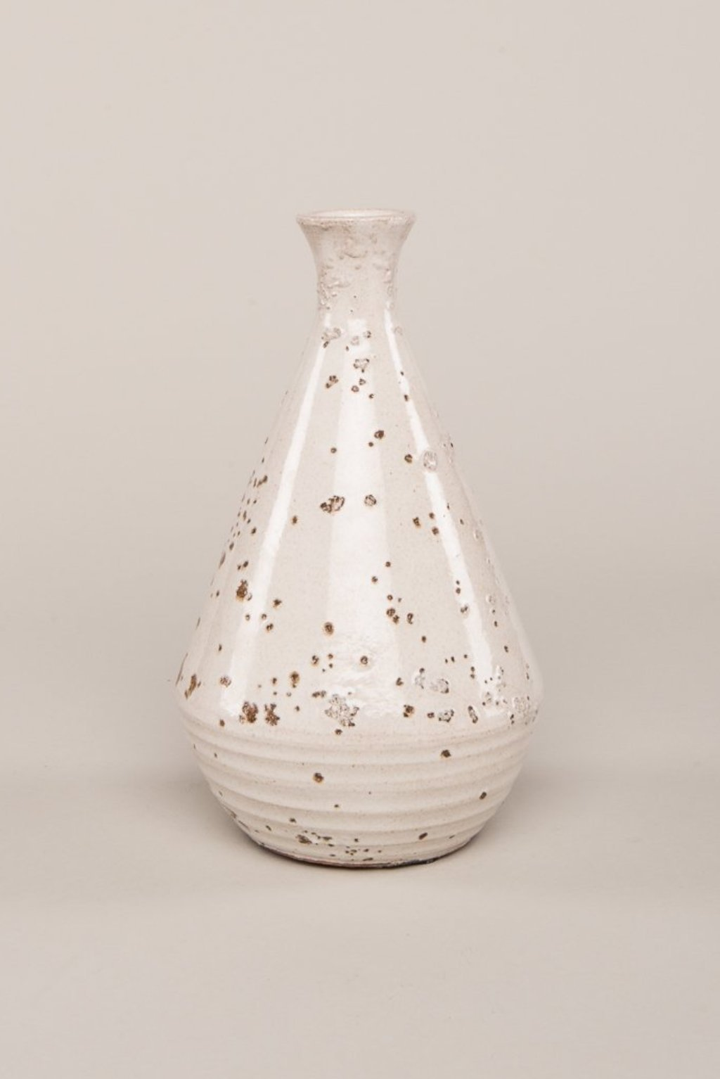 IAN SNOW HAND-TURNED EARTHENWARE VASE