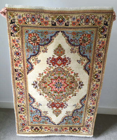 preloved vintage rugs handmade in Iran