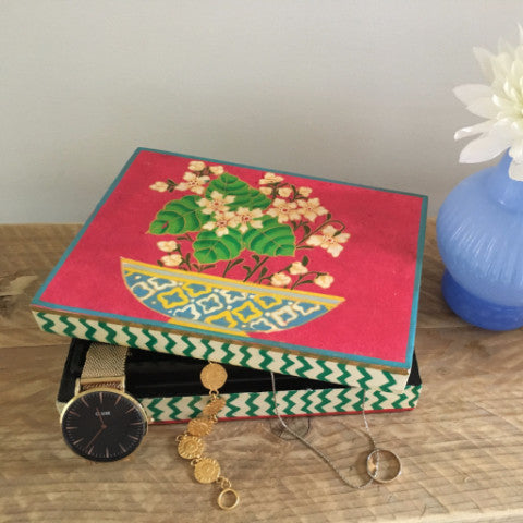 IAN SNOW Ethically sourced sustainable Fairtrade gift and homeware jewellery box
