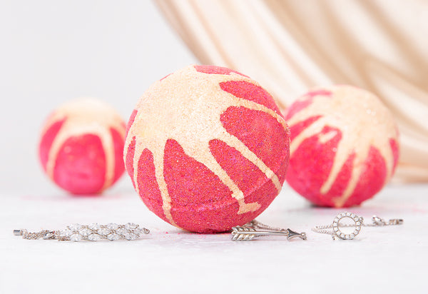 Strawberries & Champagne Bath Bomb - Classic Bracelet Collection