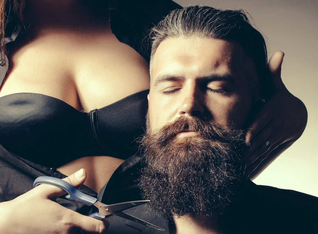 4 COMMON MYTHS ABOUT BEARDS