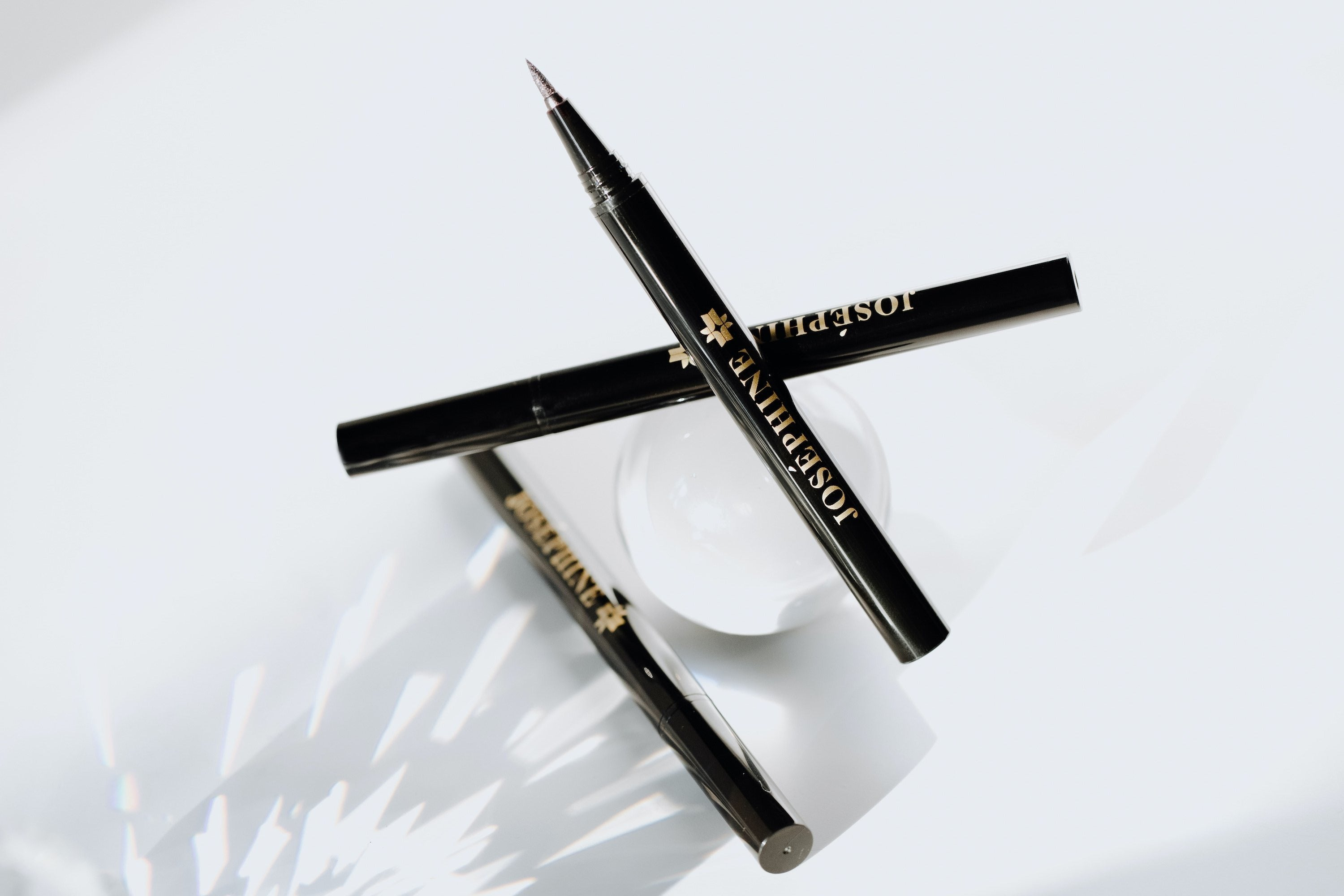 Shop EYE/DEFINE: Natural Waterproof Graphic Eyeliner Pen - Josephine Cosmetics