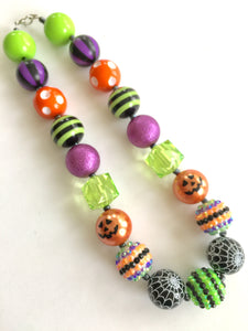 Halloween Necklace. Pumpkin Necklace. Little Girls Bubblegum Bead Necklace.