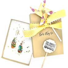 Load image into Gallery viewer, Black Red + Yellow Glittery Bow Little Girls Bubblegum Necklace