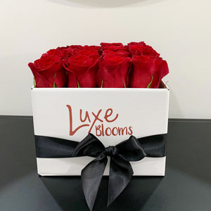 Valentine's Square Fresh Red Rose Box
