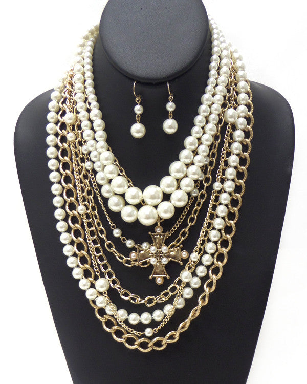 Pearl and Bold Chain Layered Necklace