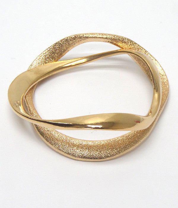 Set of Two Gold Tone Bracelets