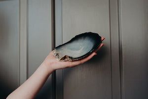 MOTHER OF PEARL HANDMADE CLAM