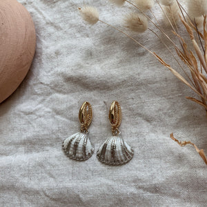 Load image into Gallery viewer, NELLY - STATEMENT EARRING