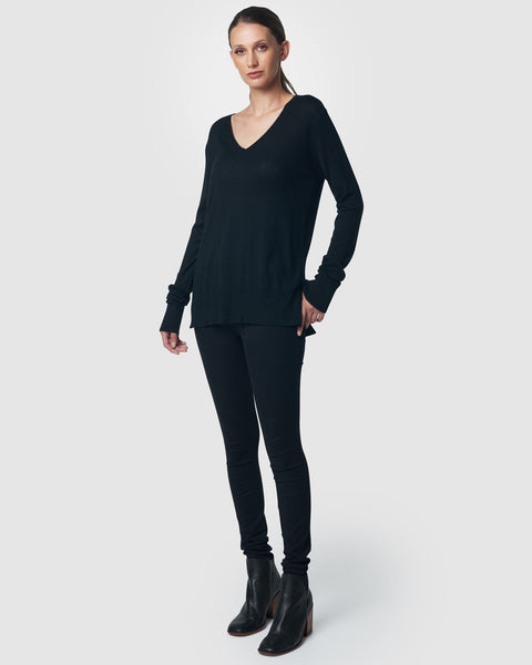 FINE GAUGE V - NECK - BLACK