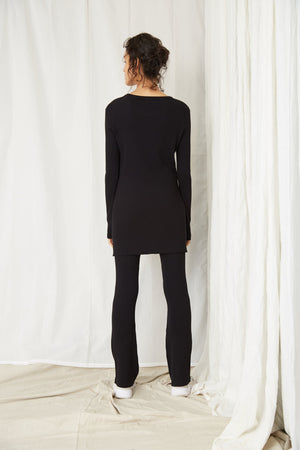 Load image into Gallery viewer, LONG LINES RIB FLARE - BLACK