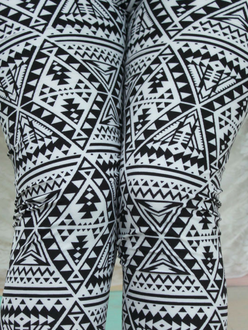 Curvy Black & White Leggings