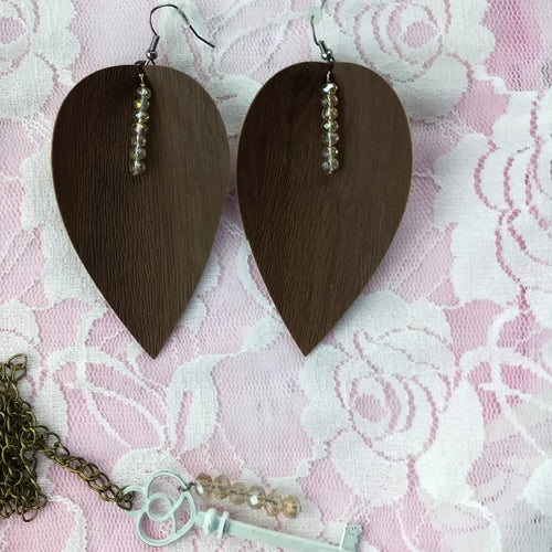 Brown Leaf Earrings With White Vintage Style Key Necklace