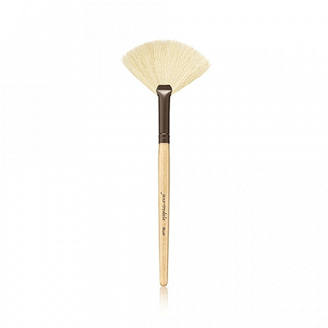 WHITE FAN BRUSH - Essential Skin Clinic
