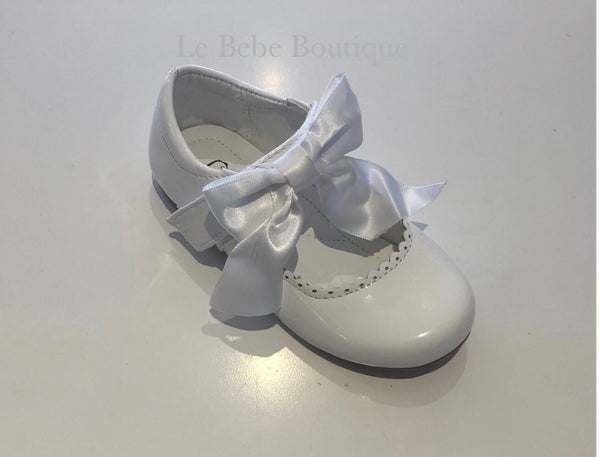 Vienna Bow Shoes