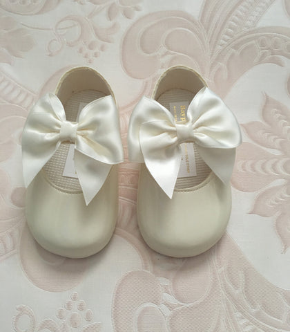 Ivory Alessia Bow Pram Shoes